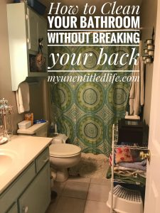 how to clean your bathtub without hurting your back