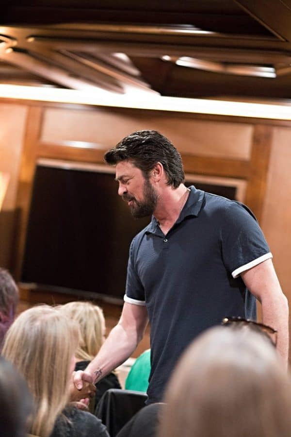 karl urban thor ragnarok interview