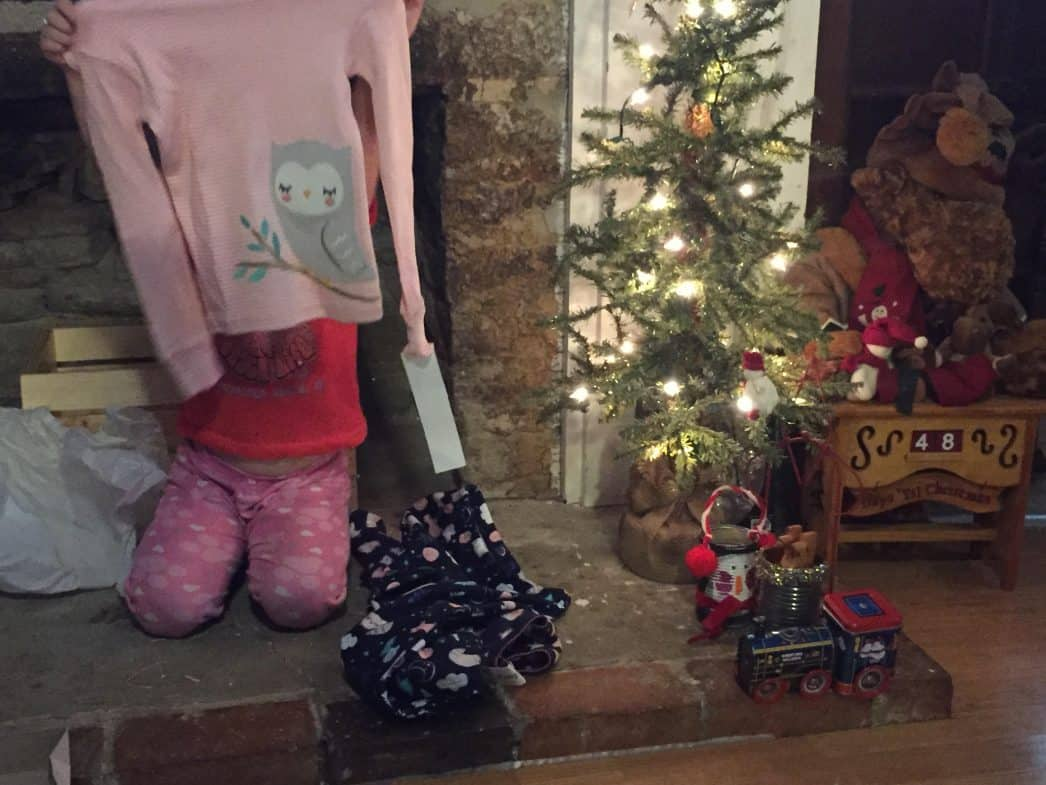 opening-pajamas-christmas-tradition-my-unentitled-life