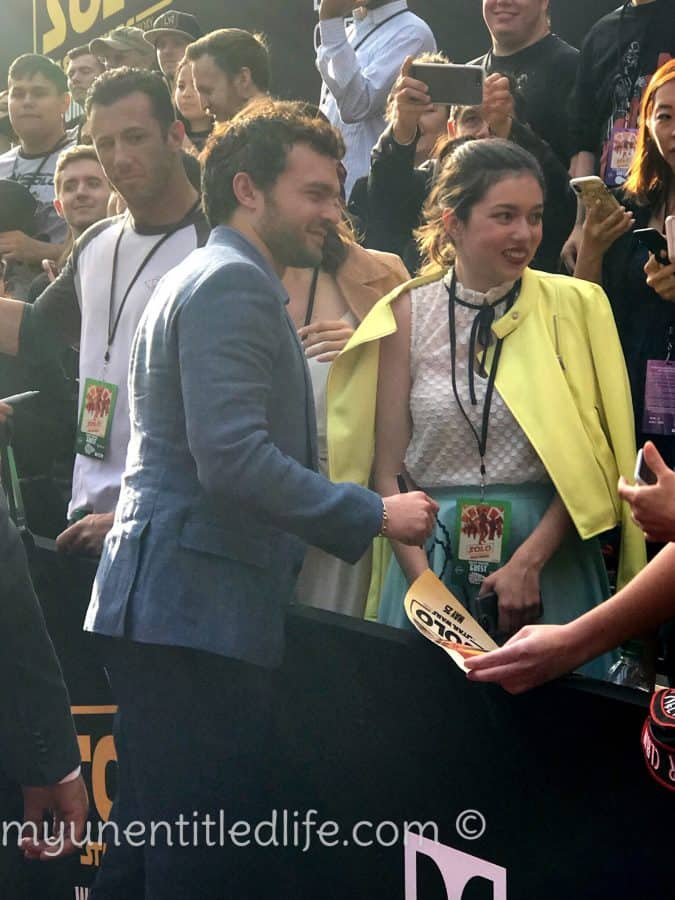 alden ehrenreich with his fans on solo star wars